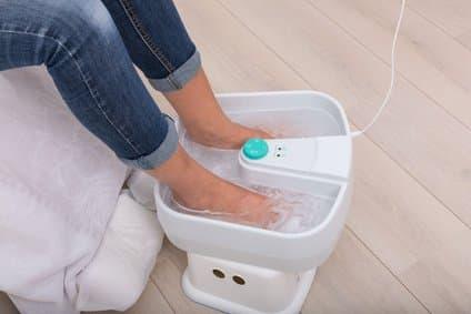 Fußbad und Fußmassage